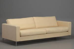 Søren Lund, 3½ pers. sofa med dunhynder og ben i aluminium