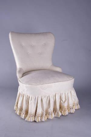 Emmafåtölj, 1900-talets mitt, senare klädsel
