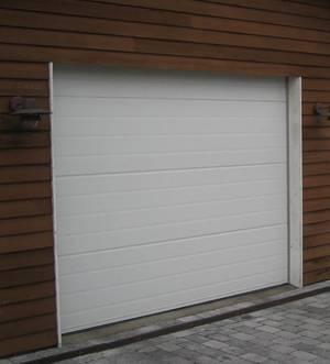 El-drevet leddelt garageport, 300x230 cm. med 3 fjernbetjeninger. Model 3 Denne auktion er annulleret - se nu vare 1935958