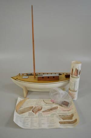 Båtmodell trä