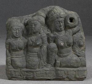 Relief  fontæne i sten