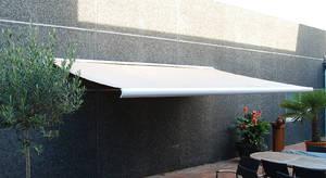 Markise, regnvindsol sensor, 4,5 meter, polyesterdug, helluklket aluminiumskasse, motor og fjernbetjening