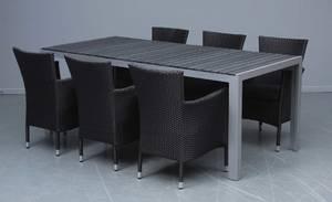 Havemøbler. Rektangulært artwoodbord samt seks polyrattan armstole 7