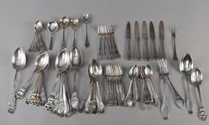 Div. dele sølvbestik 70