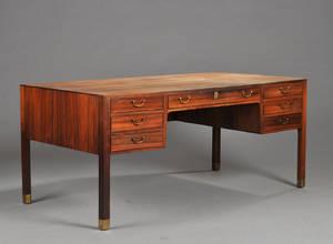 Dansk møbelsnedker. Fritstående skrivebord af palisander