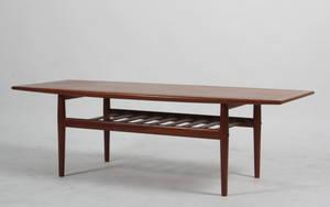 Grethe Jalk. Sofabord af teaktræ