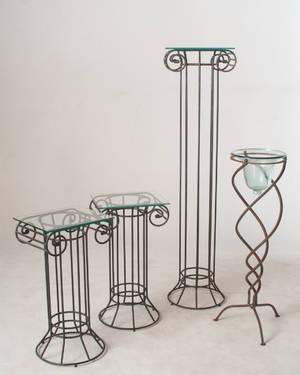 Drei Säulen, 1 Zierständer Eisenguß 4