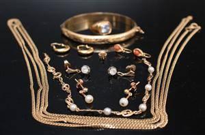 Samling smycken, 18K guld, vikt ca 44 gr 8
