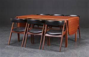 Sæt på seks stole, teak og sort kunstlæder samt bord, dansk møbelproducent 7