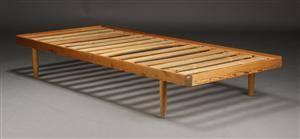 Dansk møbelproducent. Daybed, fyrretræ