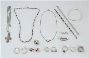 Bernhard Hertz m.fl. Samling smykker af sølv og sterlingsølv 20
