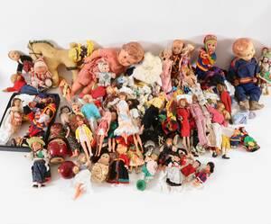 Stor parti dockor och tillbehör