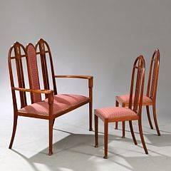 Graham Morton, tilskrevet Arts  Craft møblement af mahogni, to-personers sofabænk og to stole. Udført cirka 1900. Sofa L. 116 cm. 3