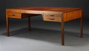 Morten Olsen  søn, fritstående skrivebord, mahogni, 1960erne
