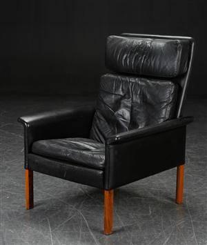 Hans Olsen. Højrygget lænestol, sort læder