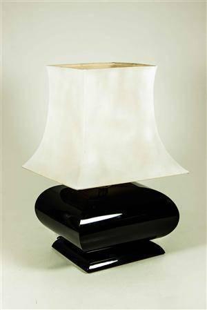 Bordslampa Italiensk i med fot i plexiglas. Höjd ca 60 cm