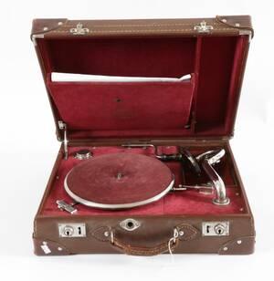 Resegrammofon, Caruso, 1900-talets första hälft