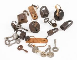 Parti hänglås och nycklar, 1800-tal