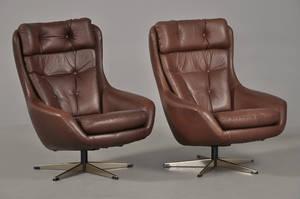 Par skalformede hvilestole i læder, 196070erne 2