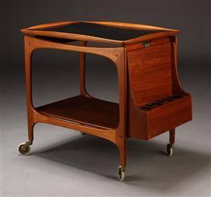 Dansk producent. Serveringsbord  rullebord, teaktræ