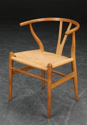 slutpris f r hans j rgen wegner y stol af. Black Bedroom Furniture Sets. Home Design Ideas