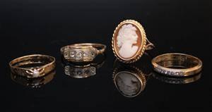 Samling ringar, 4 st, 18K guld, vikt ca 11 gr inkl stenar4