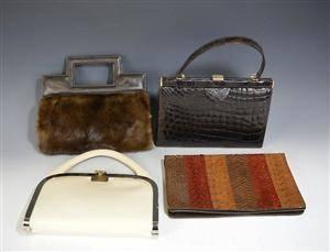 024a59ff35494 Konvolut Handtaschen u.a. Kroko 4 Diese Ware steht erneut zur Auktion unter  der Warennummer 3765812