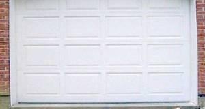 Garageport eldrevet, 240 x 210 cm med 2 fjernbetjeninger