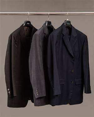 Slutpris för 3 kostymer f269811b032f3