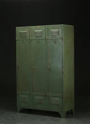 Industrielt design. Boyaval, Lille. Fransk Locker af grønlakeret metal. 1950erne