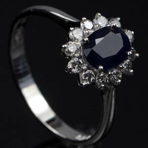 Safir og brillant ring.