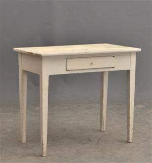 Skrivbord med låda. Bemålat 1800-tal