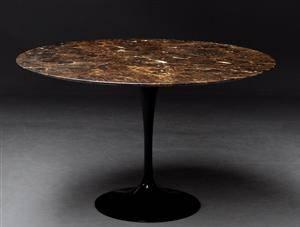 Slutpris för Eero Saarinen. Tulip spisebord, Knoll