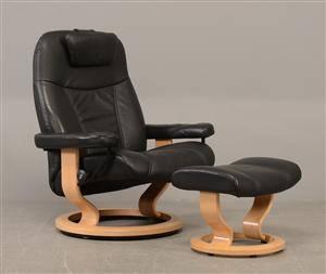 Stresslæs lænestol med skammel 2