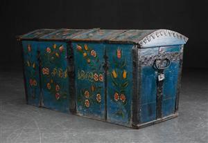 Kiste af bemalet træ, 1800-tallets midte