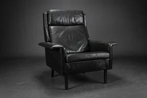 Arne Vodder. Højrygget lænestol, sort læder