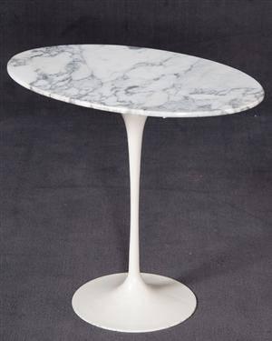 Slutpris f r eero saarinen tulip sidobord for Sofatisch marmor