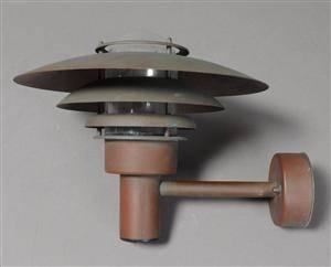 Udendørs væglampe af kobberglasskærm, Nordlux, af nyere dato.