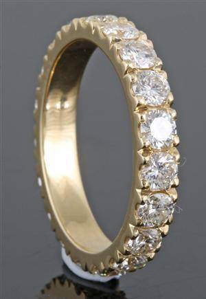 Eternity ring in 18kt gold set with brilliant cut diamonds 2.48ct This lot has been put up for resale under the new lot no. 3806631