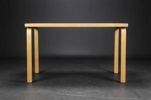 Alvar Aalto. Rektangulært bord af birk