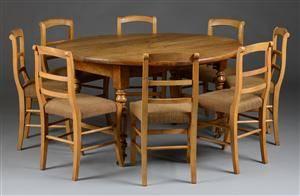 Spisebord samt otte stole af nøddetræ 9