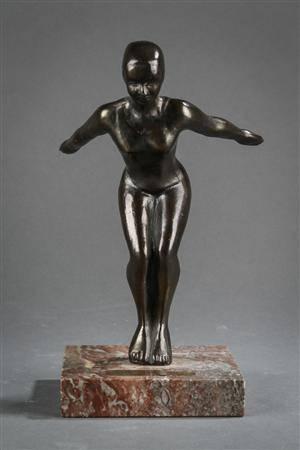 V. K. Eskildsen. Figur af bronze