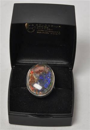 Erik Solodziuk - kolosalring af sterling sølv med opal