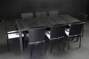 Otte armstole, sort polyrattan,bord 2m aluminium stel 8
