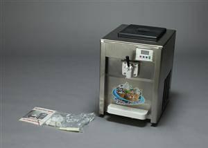 Softicemaskine med tilbehør