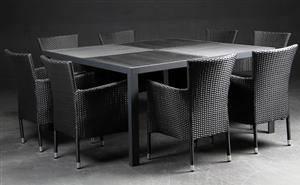 Daneline Havemøbler. Kvadradisk bord, artwood, 8 polyrattan armstole 7