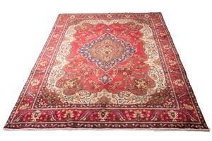 Persisk Tabriz tæppe, ca. 395 x 295 cm.