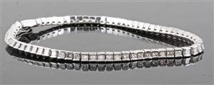 Diamond bracelet in 18kt. whitegold, set with princess-cut-diamonds approx. 2.50ct
