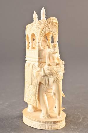 Elefant af udskåret elfenben - 1900-tallet