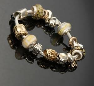 Aagaard Lovelink armbånd af sterlingsølv med 14 charms af muranoglas e758526467a32